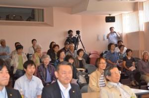 20140713北海道4_江藤さんの軽妙な司会とトークで参加者も笑い顔が絶えません。
